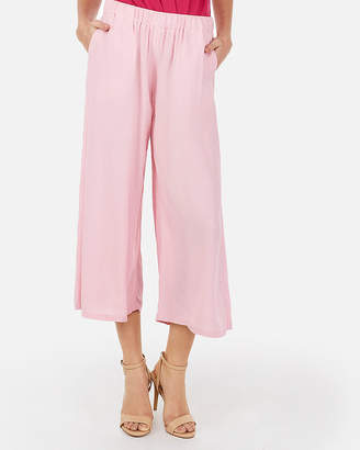 Express Mid Rise Pull-On Cropped Pant