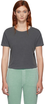 Amo Grey Babe T-Shirt