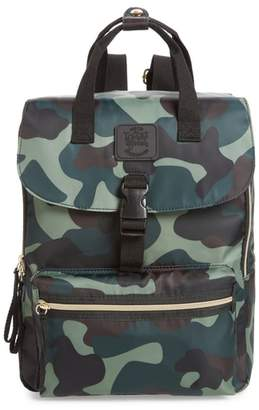 T-Shirt & Jeans Camouflage Nylon Backpack