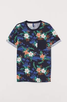 H&M T-shirt with Cuffs - Blue