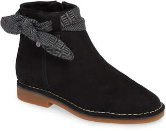 Hush Puppies R) Catelyn Bow Bootie