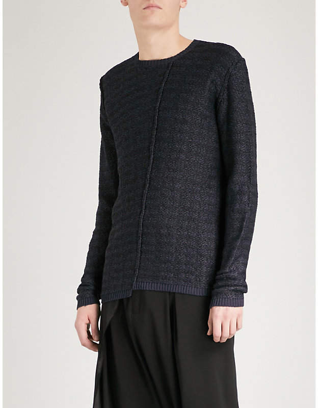 Reverse-stitched knitted-jacquard jumper
