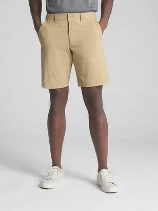 """Gap 10"""" Hybrid Khaki Shorts with GapFlex"""