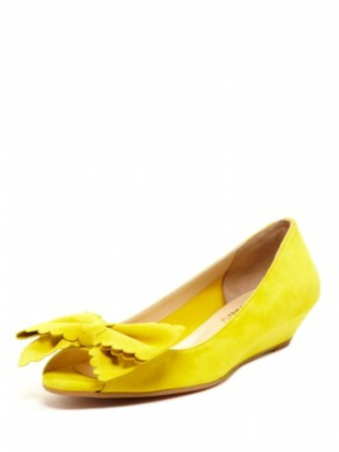 Butter Shoes Sanders in Yellow Suede