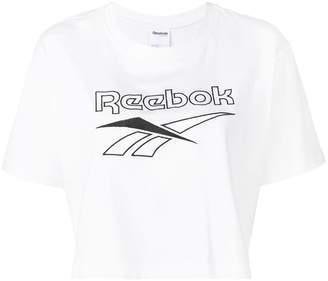 Reebok (リーボック) - Reebok ロゴ クロップド Tシャツ