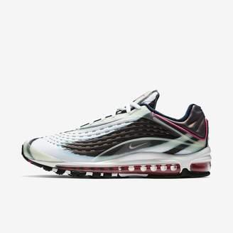 Nike Deluxe Men's Shoe