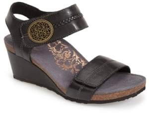 Aetrex 'Arielle' Leather Wedge Sandal