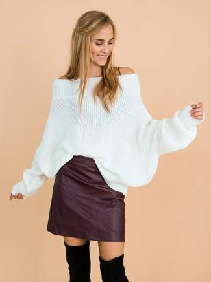 Goodnight Macaroon 'Jansen' Bat-Sleeve Off-The-Shoulder Oversized Sweater