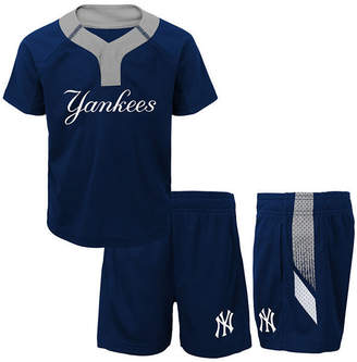 New York Yankees Outerstuff Ground Rules Short Set, Infants (12-24 Months)