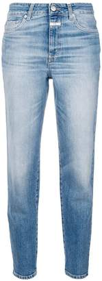 Closed cropped fitted jeans