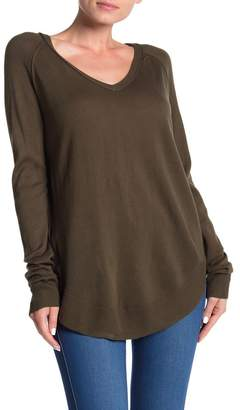 14th & Union V-Neck Raglan Tunic Sweater (Regular & Petite)