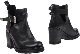 BRONX Ankle boots $112 thestylecure.com