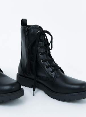 Lipstik Adora Boot Black