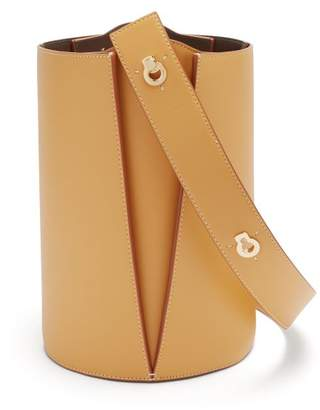 Lente Danse Lorna Leather Bucket Bag - Womens - Tan