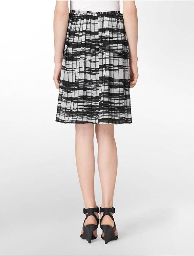 Calvin Klein Abstract Pattern Pleated Skirt