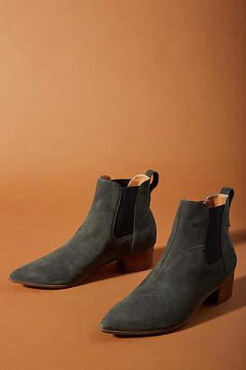 Faryl Robin Aero Pointed-Toe Chelsea Boots