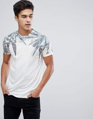 Solid T-Shirt With Leaf Print