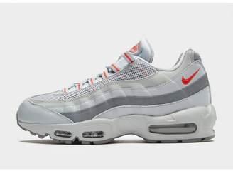 Nike 95 Essential