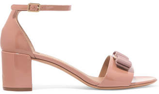 Salvatore Ferragamo Gavina Bow-embellished Patent-leather Sandals - Blush