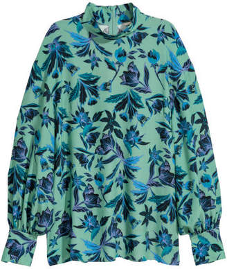 H&M Blouse with Stand-up Collar - Green