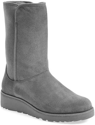 UGG Amie - Classic Slim(TM) Water Resistant Short Boot