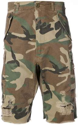 R 13 camouflage print shorts
