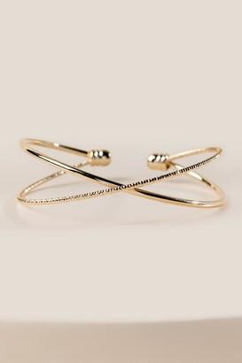cb950fba8ce francesca's Kendall Criss Cross Bracelet - Gold