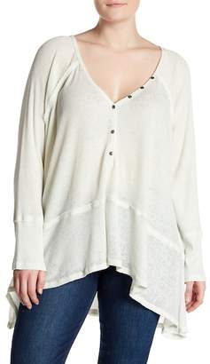 Melrose and Market V-Neck Waffle Knit Hi-Lo Henley (Plus Size)