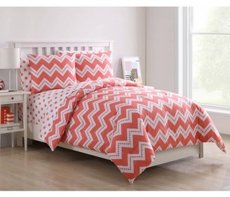 VCNY Home Pink Leigh Chevron 5-/7-Piece Reversible Kids Bed-in-a-Bag Set, Polka Dot Printed Sheets Included