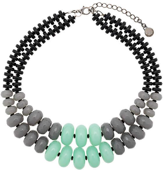 Halskette mit Kontrasteinsatz