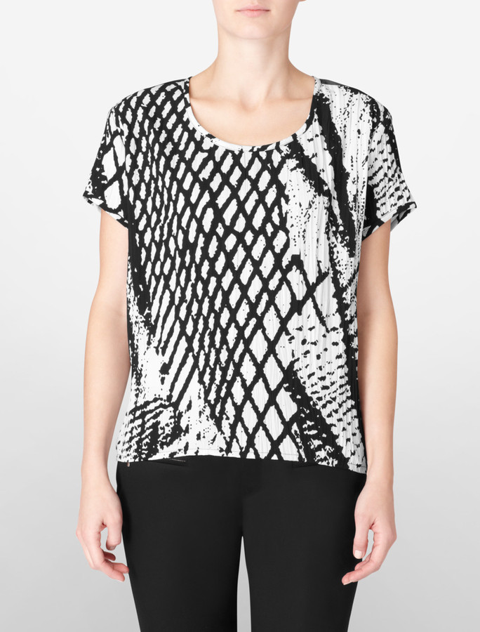 Silky Abstract Print Crinkled Top