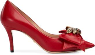 Gucci Leather mid-heel pump with bow