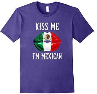 Kiss Me! I'm Mexican! Mexican Flag Lips! Viva Mexico T-Shirt