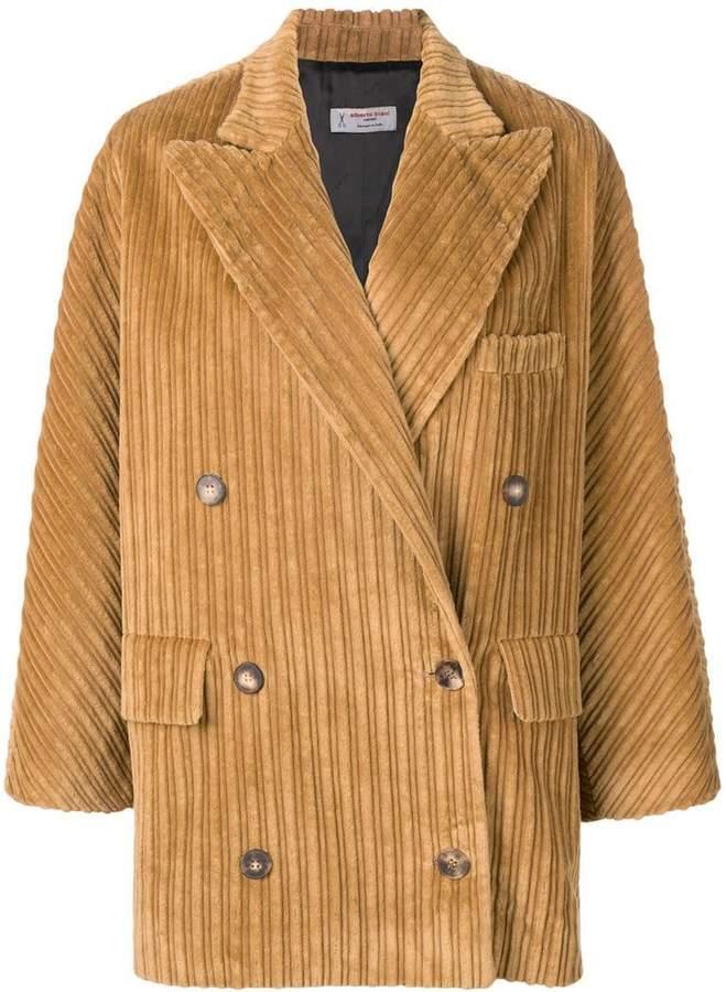 loose oversized jacket