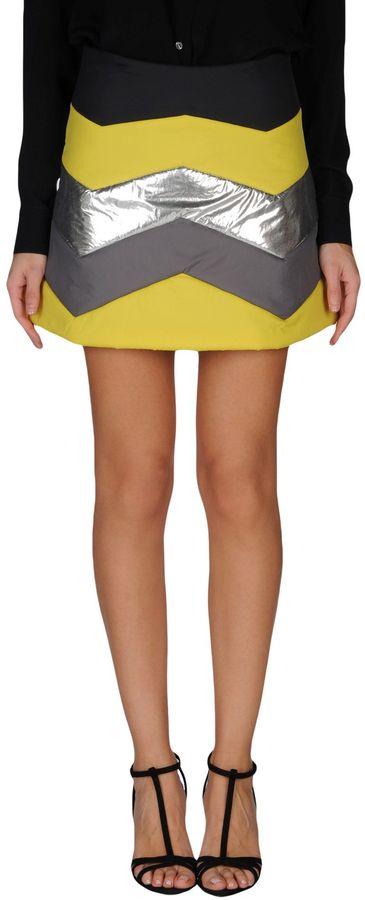 American RetroAMERICAN RETRO Mini skirts