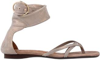Chie Mihara Toe strap sandals