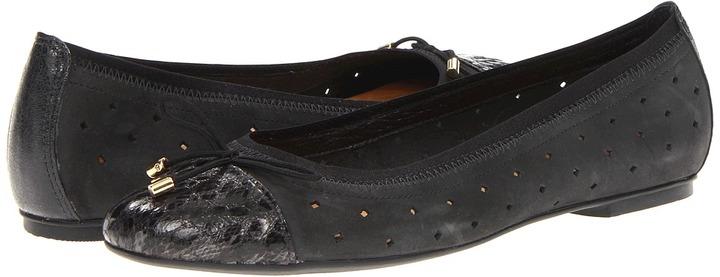 Clarks Valley Stone (Black Leather) - Footwear