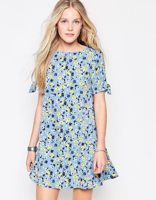 Influence Floral Dress $41 thestylecure.com