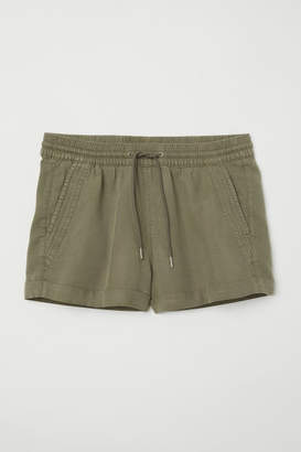H&M Short lyocell shorts - Green