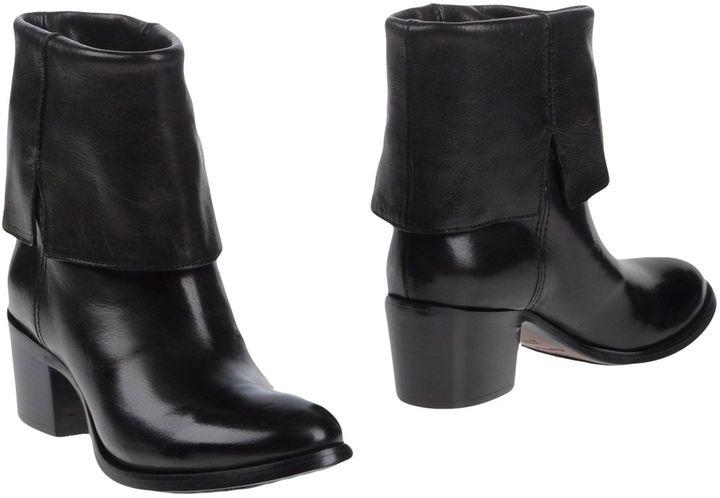 CNC Costume NationalCOSTUME NATIONAL Boots
