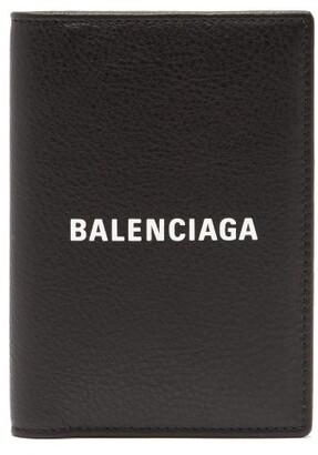 Balenciaga Everyday Logo Print Leather Passport Holder - Mens - Black