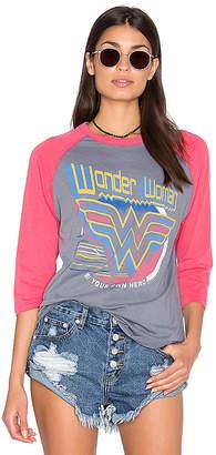 Junk Food Clothing (ジャンクフード) - WONDER WOMEN Tシャツ