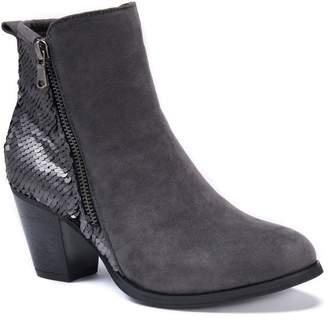Muk Luks Lizzie Women's Water Resistant Ankle Boots