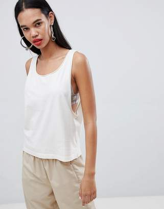 Weekday drop arm tank in off white