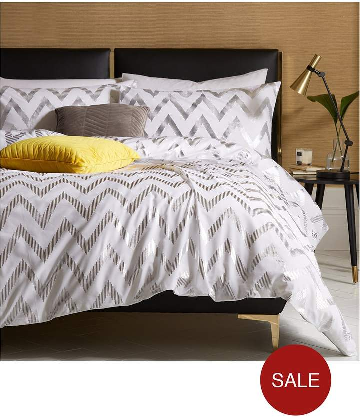 Ideal Home Chevron Metallic Duvet Cover Set - Db