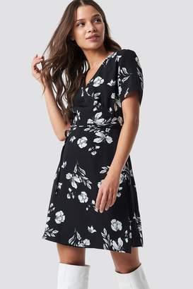 Na Kd Trend Flower Print Short Sleeve Dress Flower Print