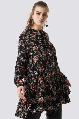 Na Kd Boho Dark Floral Print Tunic Floral