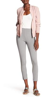 Hue Ankle Zip Slimming Pants