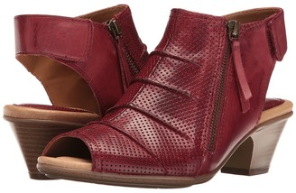 Earth - Hydra Women's Shoes $119.95 thestylecure.com