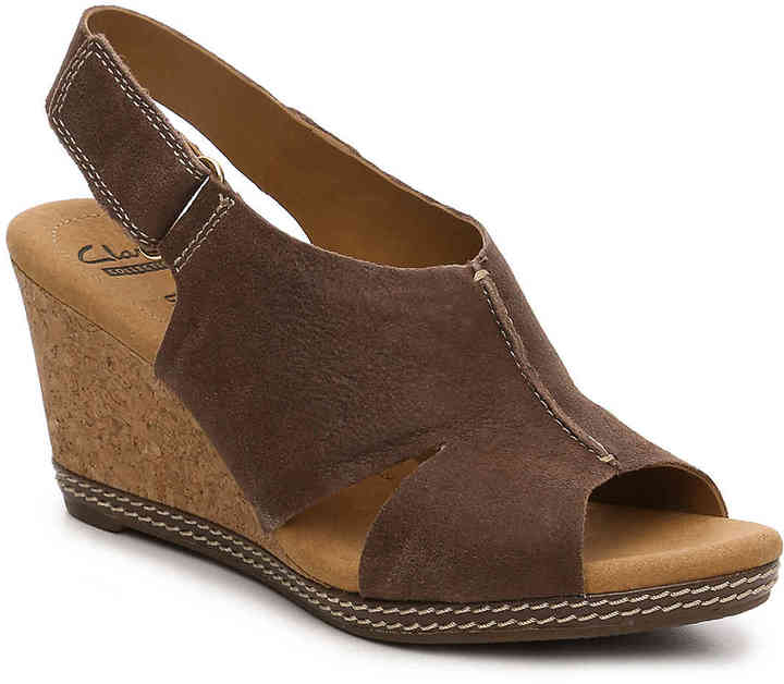 ClarksWomen's Clarks Helio Float Wedge Sandal -Brown